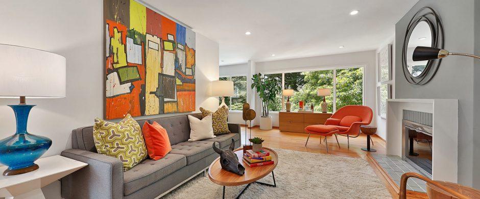 379 Dellbrook living room